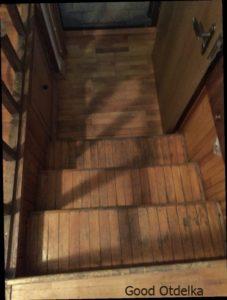 снятие старого лака с лестницы